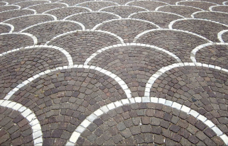 Photo showing one example of the many possible pavers patterns.